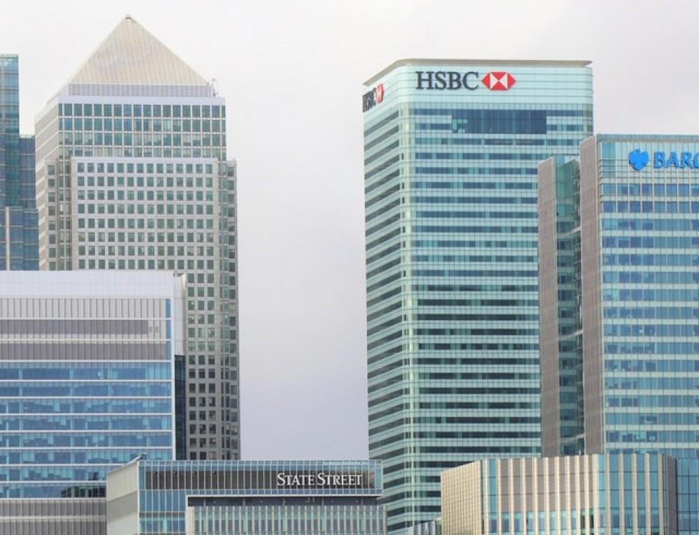 הבנקים מקשיחים דרישות מעולים חדשים ומבעלי אזרחות כפולה